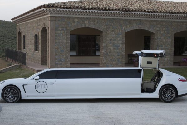 How to Use a Limo Bus to Reduce Taxes